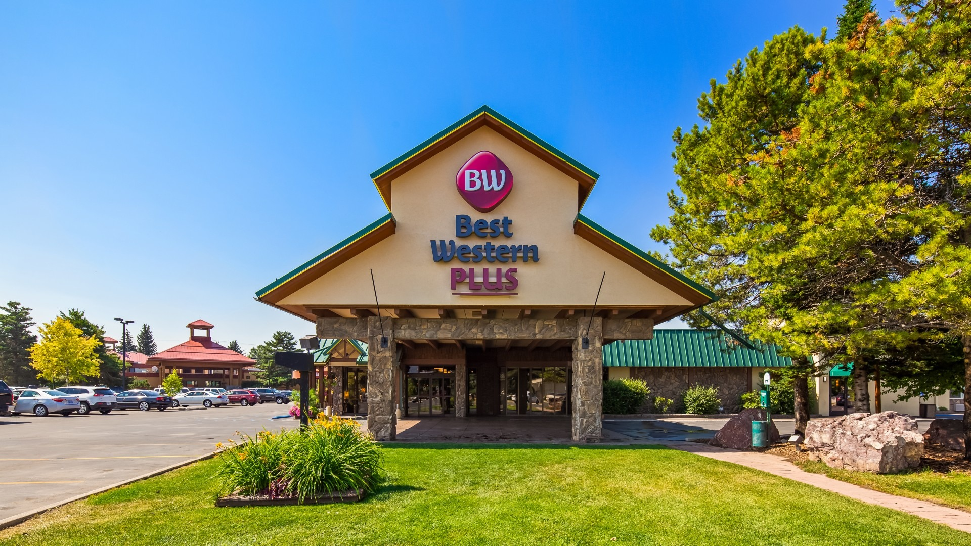 Best Western Plus GrandTree Inn